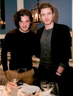 Richard Madden and Kit Harrington. Jon Snow og Rob Stark .... Game of thrones ... verður aldrei það sama eftir 9 þátt í 3 seríu ....