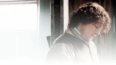 keep me from the cages Brave Princess, Samheughan, Jamie Fraser, My Flower, Flowers, Best Tv Shows, Outlander, Close Up, Bring It On