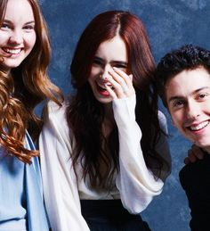 Liana Liberato (Kate), Lily Collins (Sam), & Nat Wolff (Rusty) behind the scenes of Stuck In Love. What Makes You Beautiful, Beautiful People, Galveston, Natt Wolf, Stuck In Love, Liana Liberato, Look At The Stars, City Of Bones, Lily Collins