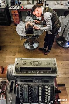 Barbers with old school till