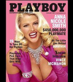 Photo : Anna Nicole Smith a posé pour Playboy dans une réplique de la robe rose de Marilyn Monroe, qui elle-même avait posé pour la première édition du magazine en 1953.