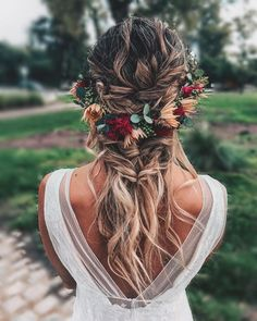 Boho Crown Pull-Through Braid With Waves hochzeit frisuren 50 Modern Wedding Hairstyle Ideas with Awesome Braids, Curls, and Up-dos Romantic Wedding Hair, Wedding Hair And Makeup, Wedding Updo, Hair Makeup, Boho Bridal Hair, Hippie Wedding Hair, Floral Wedding Hair, Bridal Braids, Bridal Hair Flowers