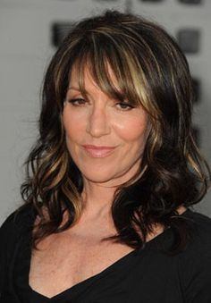 "Katey Sagal - ""Sons Of Anarchy"" Season 4 Premiere Hairstyles With Bangs, Cool Hairstyles, Hairdos, Gemma Teller, Katey Sagal, Isnt She Lovely, Famous Women, Cut And Color, Woman Face"
