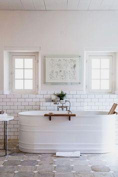29 Creative Farmhouse Bathroom renovation ideas for your home Rustic Bath Tub #farmhouse #farmhouse_decor #farmhouse_bathroom