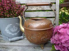 alte Kupferkanne, Kupferkessel mit schöner Patina von Holzpferde24  auf DaWanda.com