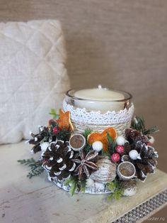 подсвечник эко, новогодний декор Christmas Candle Decorations, Christmas Tree Themes, Christmas Candles, Diy Christmas Gifts, Handmade Christmas, Christmas Wreaths, Deco Floral, Creations, Candle Arrangements