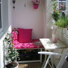 Idei practice de a economisi cat mai mult spatiu intr-un balcon Una din zonele preferate in care ne place sa stam pe timpul verii, este balconul. 16 idei practice de a economisi cat mai mult spatiu http://ideipentrucasa.ro/idei-practice-de-economisi-cat-mai-mult-spatiu-intr-un-balcon/