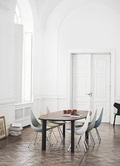 #Fritzhansen #abitareonline #dinningroom #tables #dinningtable #dropchair