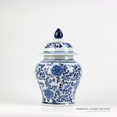 China traditional style blue and white interlock flower branch pattern medium ceramic candle ginger jar Outdoor Stools, Ceramic Flower Pots, Flower Branch, Ceramic Decor, Ginger Jars, Hand Painted Ceramics, White Porcelain, Blue And White, Pottery