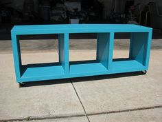 Rolling Cubby Bench by Ana White. To someday go under My son's desk as a chair/storage bench. Diy Storage Bench Plans, Cube Storage Bench, Cubby Bench, Diy Bench, Diy Desk, Rolling Storage, Diy Storage Bench With Cushion, Entryway Bench, Closet Bench
