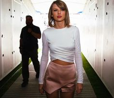 Check out what I found on Swavy! Buy Taylor Swift's look!