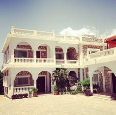 Somali Architecture, Designs & Art | A home in the suburbs of Hargeisa (70's)