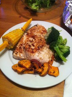 Simple Swordfish recipe Seafood Recipes, Cooking Recipes, Healthy Recipes, Fish Dishes, Tasty Dishes, Swordfish Recipes Pan Seared, Great Recipes, Favorite Recipes, Clean Eating