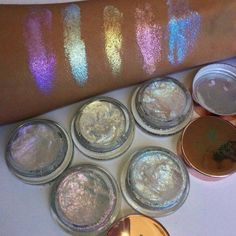 You've Never Seen Glitter Highlighter Swatches This Bright Before - - You've Never Seen Glitter Highlighter Swatches This Bright Before Be.tiful You've Never Seen Glitter Highlighter Swatches Like These Gorgeous Makeup, Pretty Makeup, Love Makeup, Makeup Inspo, Cheap Makeup, Unique Makeup, Bright Makeup, Glamorous Makeup, Amazing Makeup