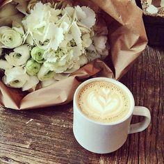 #love #moment www.sposestile.it #cappuccino #time! #flowers and #happiness