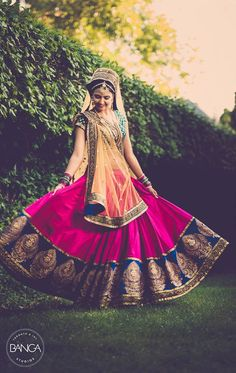Seriously can't get over how perfect this Gujarati bride's lengha is!