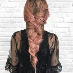 ¡La nueva moda capilar está aquí! Las celebrities ya han desplegado su creatividad coloreando su cabello. Si quieres probar, los tintes semipermanentes de L'Oreal #Colorist colorearán tu pelo por