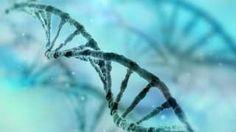 Image copyright                  Thinkstock                  Image caption                                      Los médicos tratan de identificar mutaciones genéticas compartidas.                                Tiene apenas dos años, pero la cantidad de problemas médicos con los que le ha tocado lidiar desconcierta a los médicos.  No tiene la glándula tiro