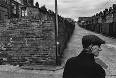 Josef Koudelka, born in Moravia made his first photographs while a student in the About the same time that he started his ca. Magnum Photos, Film Photography, Street Photography, Documentary Photography, Photos Du, Cool Photos, Dark Landscape, Photo Composition, Photographs Of People
