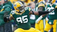 THE VIKINGS HAVE SIGNED LINEBACKER/DEFENSIVE END DATONE JONES.  HE WILL BE REUNITED WITH ERIC KENDRICKS AND ANTHONY BARR. THEY PLAYED TOGETHER AT UCLA. HE IS THE THIRD FREE AGENT SIGNED BY THE VIKINGS THIS YEAR AND THE FIRST ON DEFENSE.