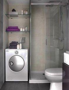 badausstattung mit einer duschkabine aus glas und ein paar regalen - 77 Badezimmer-Ideen für jeden Geschmack