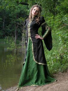 Este es otro ejemplo de vestidos de la Edad Media para las mujeres. No llevaban pantalones.