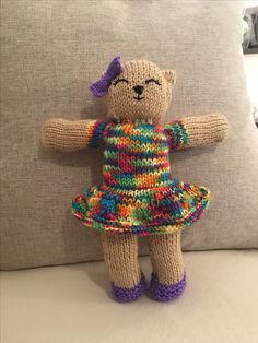 Mother bear project Loom Knitting, Knitting Patterns Free, Free Knitting, Knitting Toys, Knitted Teddy Bear, Teddy Bears, Knitting Projects, Crochet Projects, Mother Bears