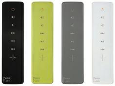 「魔法のような製品」とスタルクが語る 仏、パロット社のスピーカー&フォトフレーム SENSE SENSE Faust A.G.カラーは、ブラック、ホワイトアークティック、パールグレー、ライムソルベの 4色。カラーのネーミングもおしゃれだ。付属のリモコンは、文字を使わずにピ クトグラムのみが表示される秀逸なデザイン。さらには、iPodをリモコンとして 使用することもできる。サイズ:高さ750mm、底部:320×290mm、上部:130× 35mm 重量:3.5kg(1本あたり)価格:¥189,000(2本セットのみでの販売)