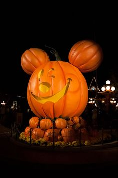 Items similar to Mickey's Halloween Party - Mickey Jack-o-Lantern - lustre photo print on Etsy Mickey Halloween Party, Disney Holidays, Pumpkin Carving, Mickey Mouse, Unique Jewelry, Handmade Gifts, Photography, Etsy, Kid Craft Gifts