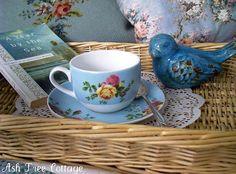 Cozy Cottage, Cottage Style, Ash Tree, Aqua, Turquoise, Periwinkle Blue, Looks Vintage, Bird Feathers, Blue Bird