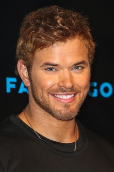 Kellan Lutz = Comic-Con Pictures 2012