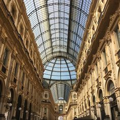 Milano sei (sempre) BELLA #milano #igersmilano #galleriavittorioemanuele #mfw #milanfashionweek #MContheroad  via MARIE CLAIRE ITALIA MAGAZINE OFFICIAL INSTAGRAM - Celebrity  Fashion  Haute Couture  Advertising  Culture  Beauty  Editorial Photography  Magazine Covers  Supermodels  Runway Models