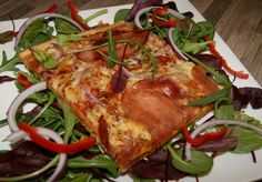 Er du glad i tynn og sprø pizzabunn kan jeg anbefale denne varianten. Med spekeskinke smakte den utrolig godt, og med lite tilberedning var den gjort i en fei. Pizzabunnen inneholder grovere mel og…