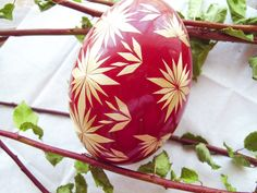 Designs for Egg Carving Art | Handcraft Blog: Goose egg decorated with straw