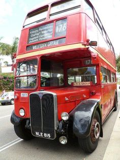 THE BUS!! Grab a bus ticket to #RollOnLongLunch and you can ride this baby from the city to Vaucluse House and back again - hassle & taxi fare free! #EatYourHistory