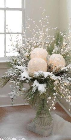 75 Charming Winter Centerpieces 3