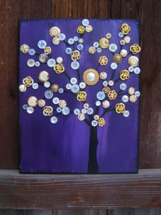 Button tree in white and purple
