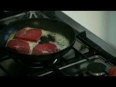Oksemedaljon med sprød top og rosenkål med mandler