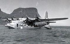 The Short Sunderland flying boat 'Australis' Amphibious Aircraft, Navy Aircraft, Military Aircraft, Airplane Flying, Flying Boat, Short Sunderland, Aeropostale, Bush Plane, Float Plane