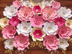 Plantilla de flor de papel uno de cada tamaño para su
