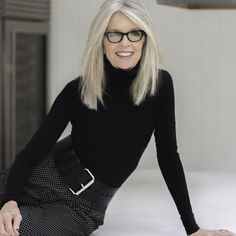 Definitely on MY bucket list . meeting Diane Keaton and she's coming to Hudso… Definitely on MY bucket list . meeting Diane Keaton and she's coming to Hudson Grace SF! Come early, get a signed book April 17 rsvp… Diane Keaton Age, Dianne Keaton, Diane Keaton Books, Long Gray Hair, Ageless Beauty, Going Gray, Aging Gracefully, Mode Inspiration, Look Fashion