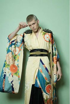 31 Contemporary Kimono Couture Finds - From Killer Kimono Couture to Impermeable Dressing Gowns (CLUSTER)