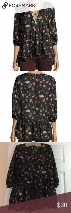 Lucca floral blouse NWOT cute floral blouse 👚 with front tie up Lucca Couture Tops Blouses