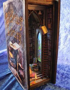 Bookshelf insert #le3befane #miniature #diorama #bookshelfinsert Deco Harry Potter, Vitrine Miniature, Vampire Books, Miniature Crafts, Book Nooks, Fairy Houses, Conte, Altered Books, Fantasy World