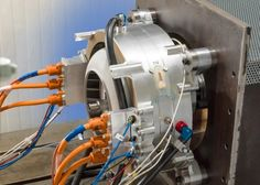 The new prototype electric aircraft motor on its static test rig (Photo: Siemens) Electric Aircraft, New Aircraft, Aircraft Engine, Aircraft Photos, Diy Electric Car, Electric Power, Record Electric, Electric Vehicle, Triumph Motorcycles
