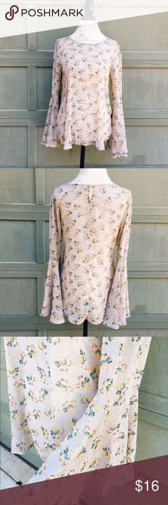 Free People Inspired Vintage Floral Top Cannot remember if it is free People or not, as I purchased it a while ago. Size small. Semi sheer. No major flaws. Tag is missing as I cut off pretty much all fabric tags on semi sheer clothing. 🌸 Items are final sale, all offers considered. Please contact me if there are any issues with your order before leaving feedback, that way I can actively work to fix it! 😃 Free People Tops