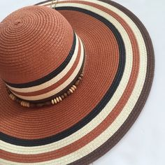 Oversized Sun hat Gorgeous Sunhat with an oversized brim to give you plenty of protection! Not too floppy Accessories Hats