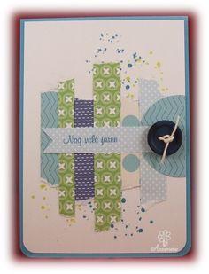 Verjaardagskaart, strookjes papier, stempels, cirkel en knoop
