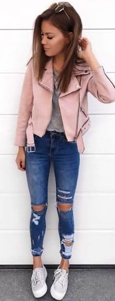 #spring #outfits gray crew-neck shirt, distressed blue denim washed whiskered boyfriend jeans, and pair of white low-top sneakers and peach-colored notched lapel pea coat outfit. Pic by @shoppsite