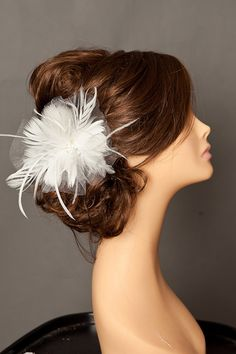 Perfect hairstyle for the gorgeous bride